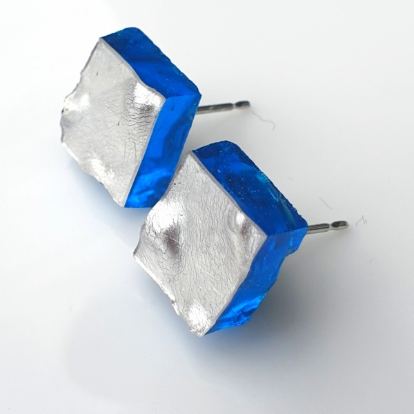Piccole Gioie - Nocturnal Lagoon - Pair of White Gold Stud Earrings on Glass