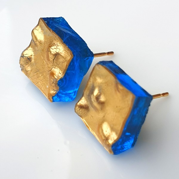 Piccole Gioie - Laguna Sunrise - Pair of Yellow Gold Stud Earrings on Glass