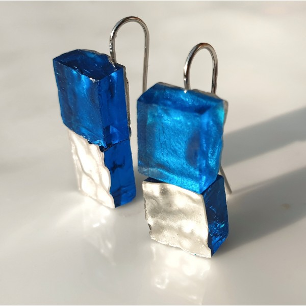Piccole Gioie - Nocturnal Lagoon - Pair of White Gold leverback Earrings on Glass